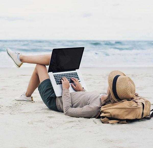 Sjajno plaćen posao bez odlaska u kancelariju: Postani IT frilenser uz CODE centar